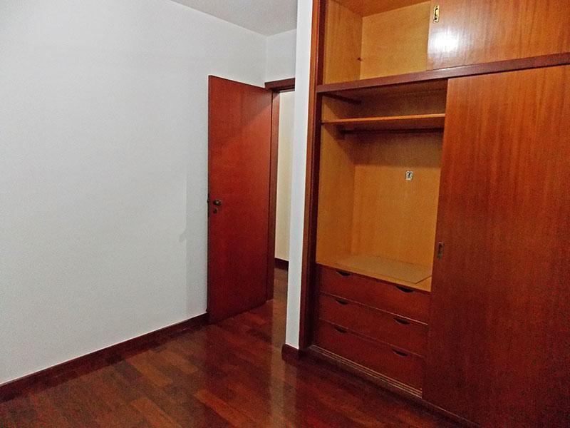 Ipiranga, Apartamento Padrão-3º Quarto com piso de tacão e armários planejados.