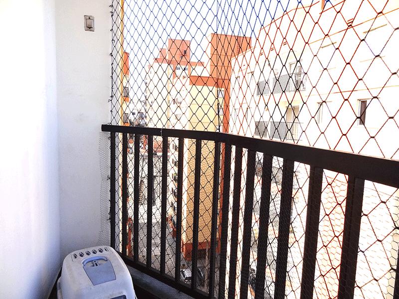 Sacomã, Apartamento Padrão-Sacada com piso de ardósia e tela de proteção.