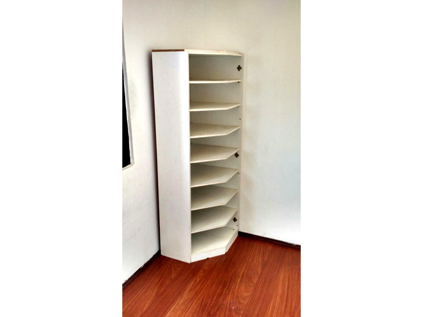 Sacomã, Apartamento Padrão-Dormitório com piso laminado e armários planejados.