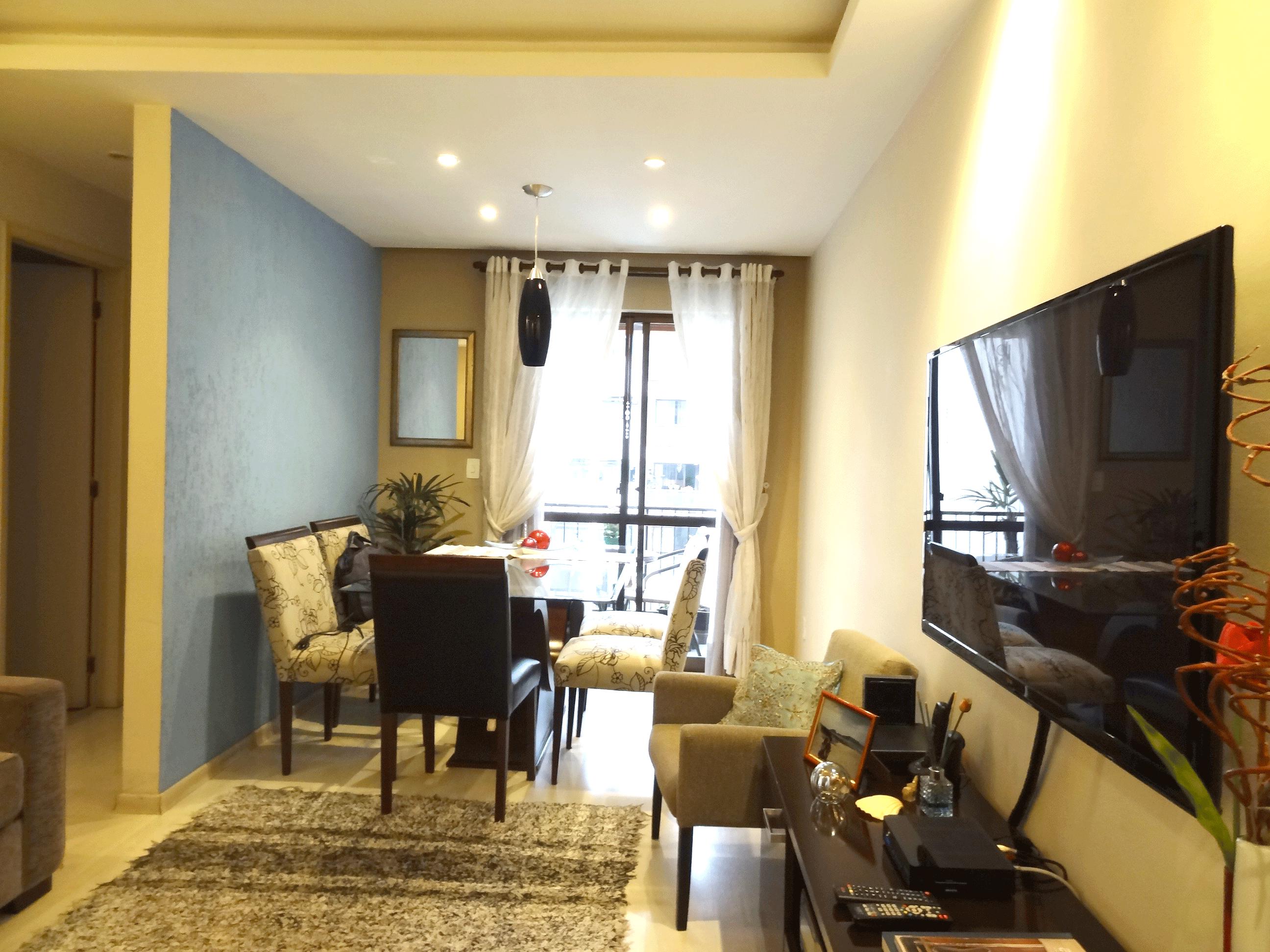Jabaquara, Apartamento Padrão-Sala em L com piso laminado, teto com sanca de gesso, iluminação embutida e acesso à varanda.