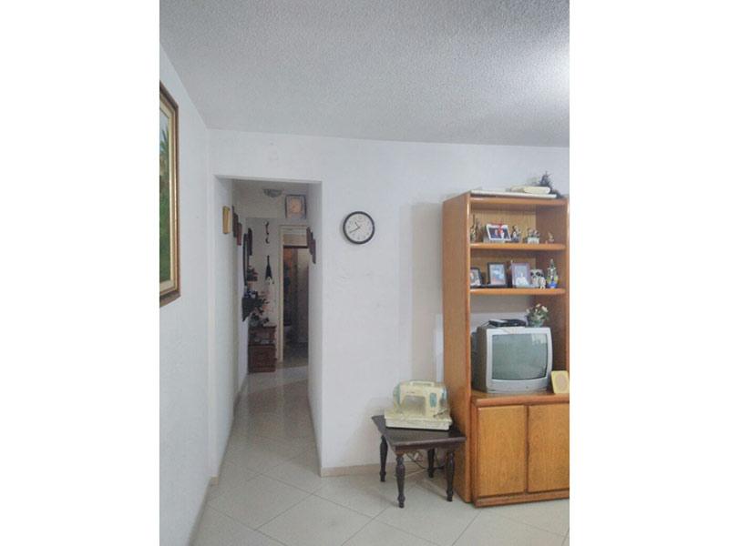 Jabaquara, Apartamento Padrão - Sala com dois ambientes e piso de porcelanato.