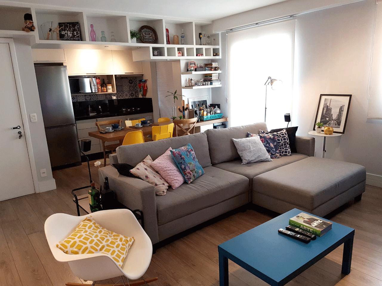 Sacomã, Apartamento Padrão - Sala em L ampliada, integrada com a cozinha, piso de madeira e acesso à sacada (2º dormitório transformado em sala ampliada).