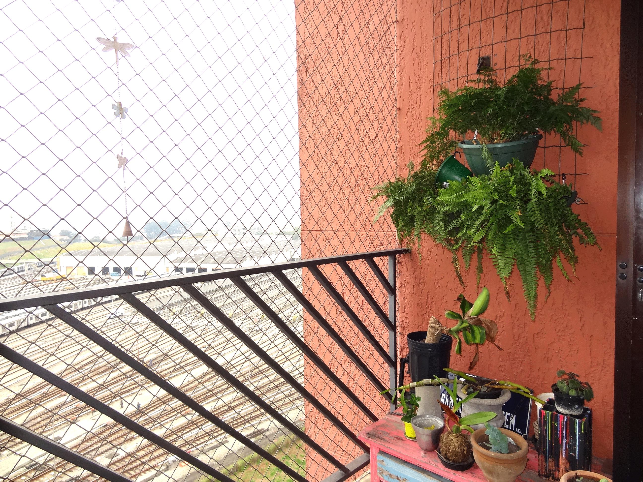 Jabaquara, Apartamento Padrão-Varanda com piso de cerâmica e tela de proteção.