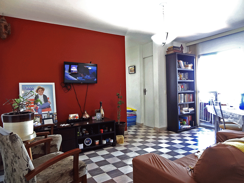 Jabaquara, Apartamento Padrão - Sala com dois ambientes, piso de paviflex e acesso à sacada.