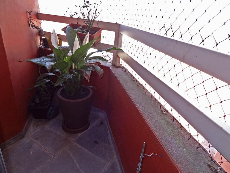 Jabaquara, Apartamento Padrão-Sacada com piso de ardósia e tela de proteção.