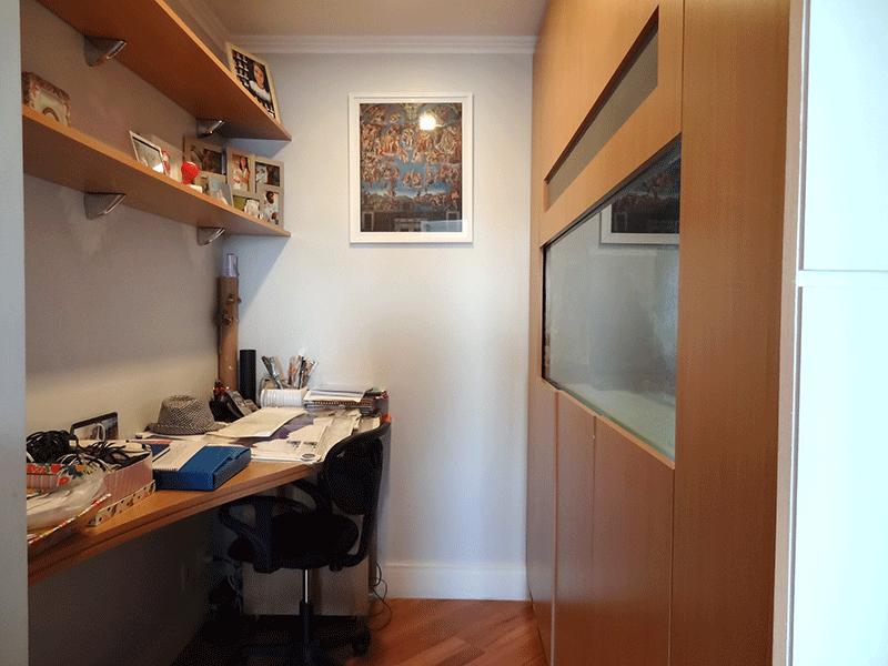 Ipiranga, Apartamento Padrão-Home office com piso laminado, armários planejados e teto com moldura de gesso (dependência transformado em home office).