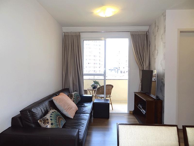 Jabaquara, Apartamento Padrão-Sala em L com piso laminado e acesso à varanda.