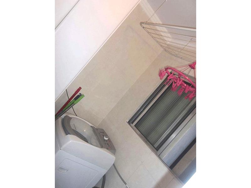 Sacomã, Apartamento Padrão-Área de serviço com armários planejados e teto com moldura d e gesso.
