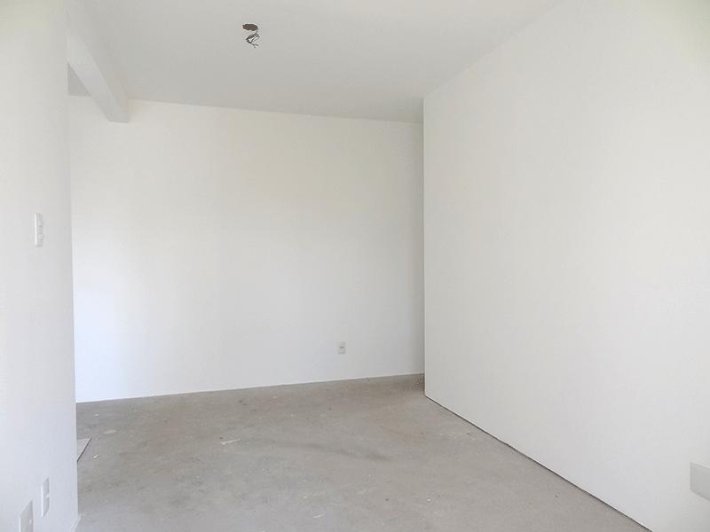 Jabaquara, Apartamento Padrão-Sala retangular no contra piso e acesso à sacada.