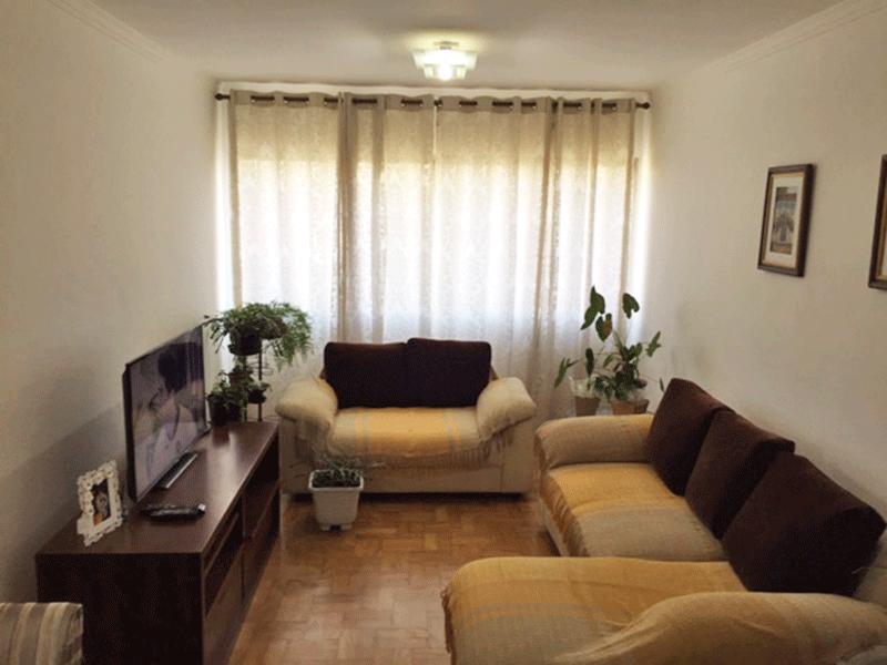 Ipiranga, Apartamento Padrão - Sala com dois ambientes, piso de taco e teto com moldura de gesso.