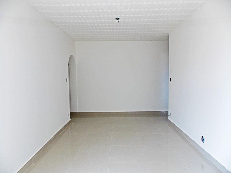 Ipiranga, Apartamento Padrão-Sala com piso de porcelanato.