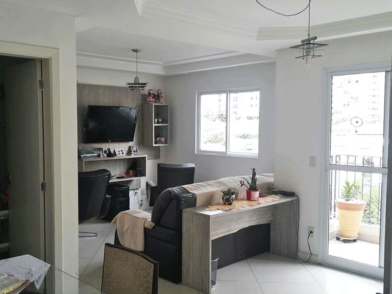 Cursino, Apartamento Padrão - Sala com dois ambientes, piso de porcelanato, teto com sanca de gesso e acesso à varanda.
