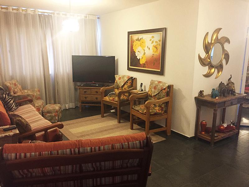 Ipiranga, Apartamento Padrão-Sala com dois ambientes, armários planejados e piso de ardósia