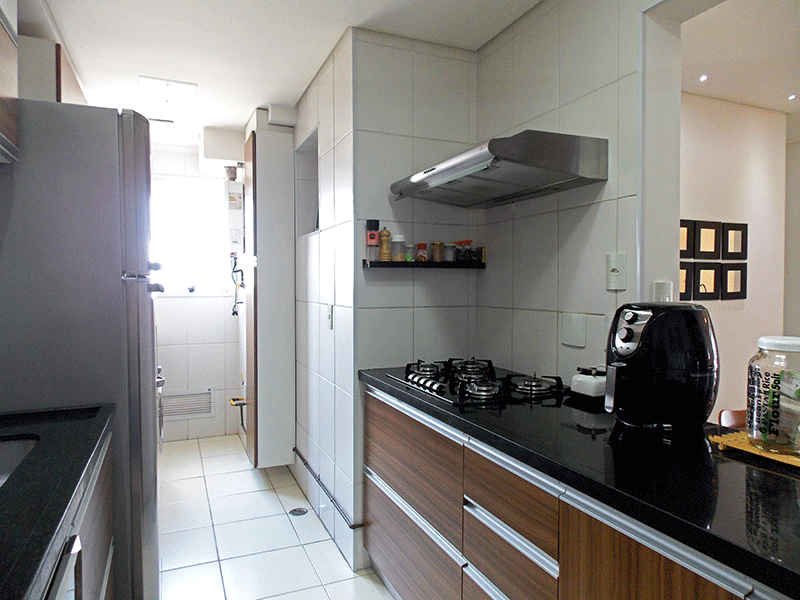Jabaquara, Apartamento Padrão-Cozinha americana, integrada com a área de serviço, piso de cerâmica, pia de granito, gabinete, armários planejados, teto rebaixado e iluminação embutida.