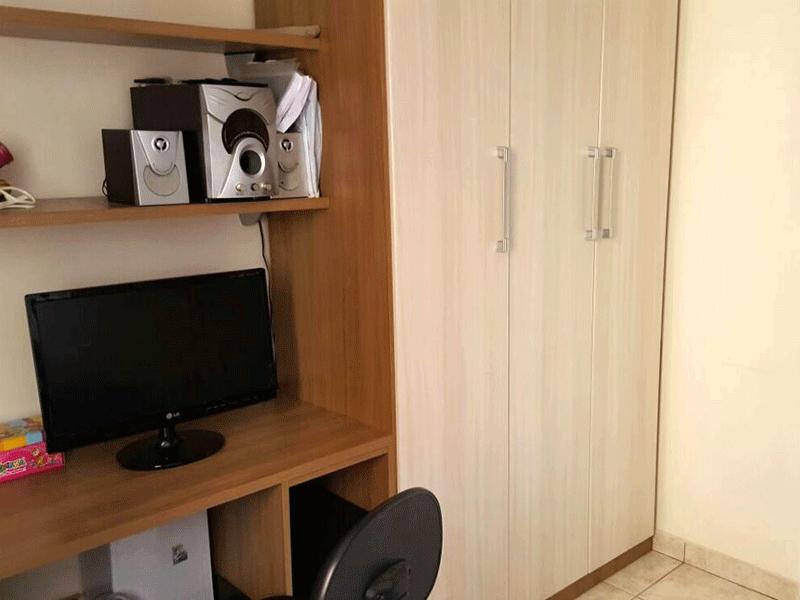 Sacomã, Apartamento Padrão-2º dormitório com piso de cerâmica e armários planejados.
