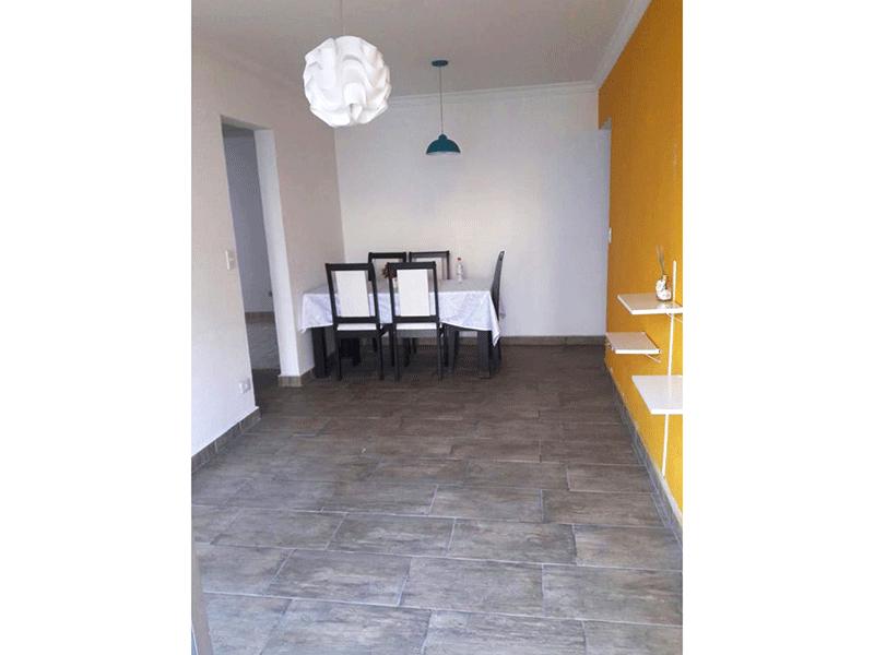 Sacomã, Apartamento Padrão-Sala com dois ambientes, piso de cerâmica, teto com moldura de gesso e acesso à sacada.