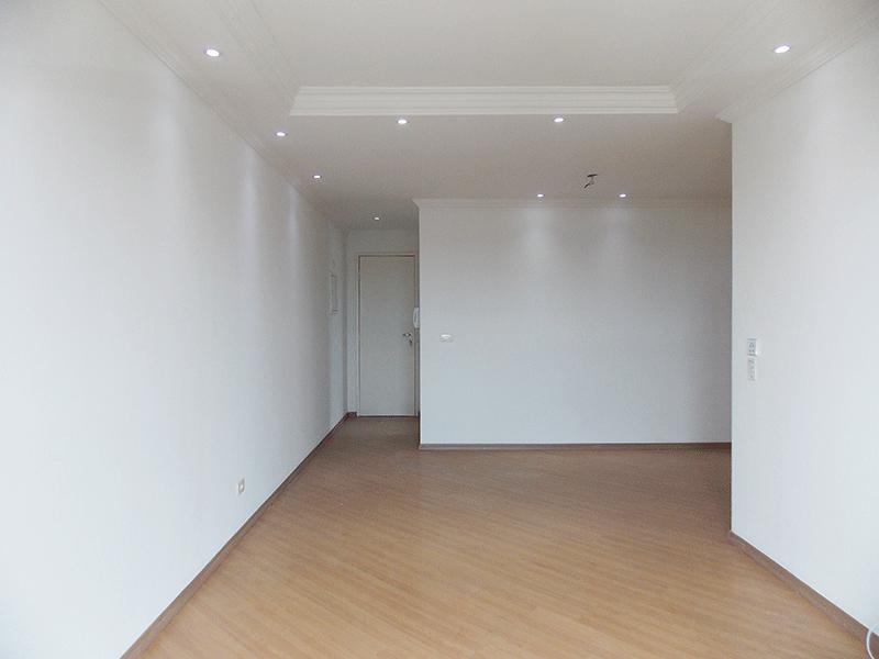 Sacomã, Apartamento Padrão-Sala com dois ambientes, piso laminado, teto com sanca de gesso, iluminação embutida e acesso à sacada.