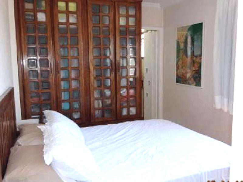 Sacomã, Apartamento Padrão-Suíte com piso laminado, armários planejados, teto com moldura de gesso.