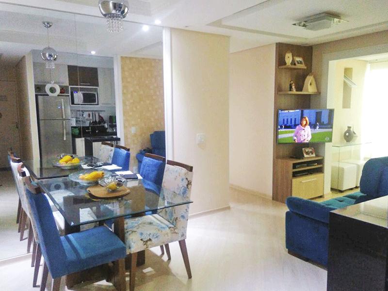 Sacomã, Apartamento Padrão - Sala integrada com a varanda, com dois ambientes, piso laminado, teto com sanca de gesso, iluminação embutida e acesso à varanda.