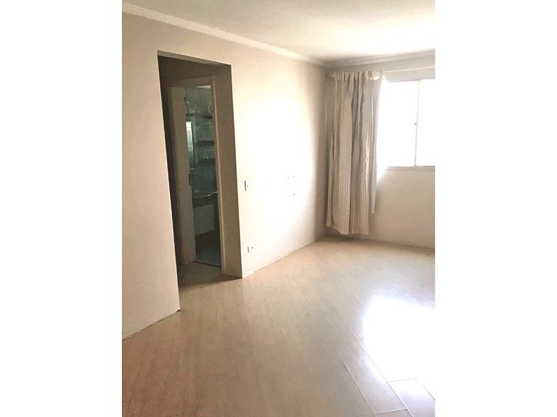 Jabaquara, Apartamento Padrão-Sala com dois ambientes, piso laminado e teto com moldura de gesso.