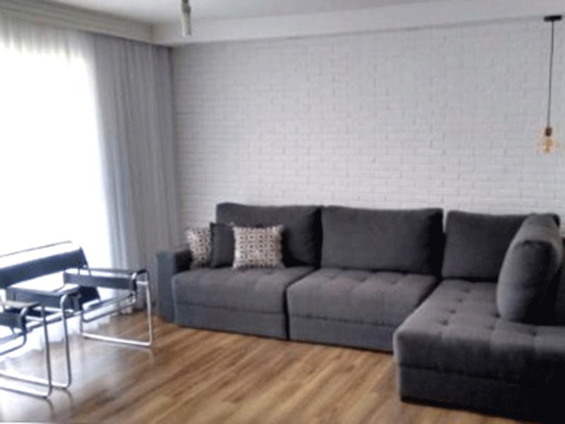 Jabaquara, Apartamento Padrão-Sala com dois ambientes, piso laminado, teto com moldura de gesso e acesso à sacada.