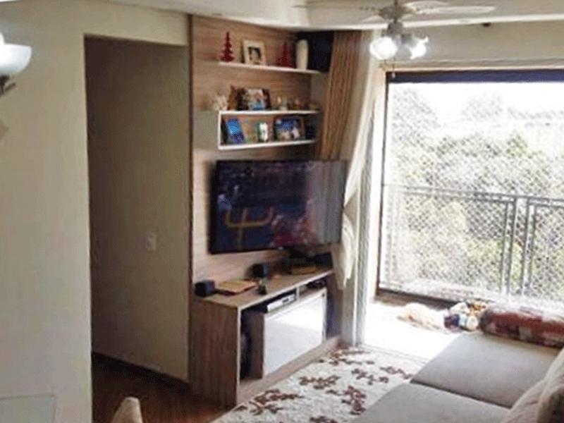 Sacomã, Apartamento Padrão-Sala com dois ambientes, piso de laminado, teto com sanca de gesso, iluminação embutida e acesso à varanda.