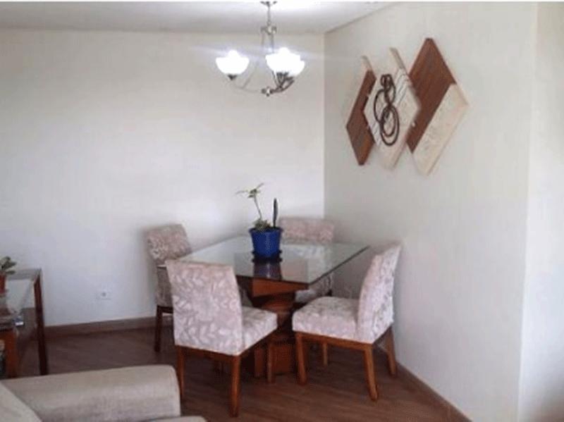 Sacomã, Apartamento Padrão - Sala com dois ambientes, piso de laminado, teto com sanca de gesso, iluminação embutida e acesso à varanda.