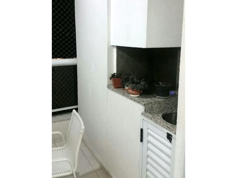 Ipiranga, Apartamento Padrão-Varanda com piso de cerâmica, pia de granito, gabinete, churrasqueira e tela de proteção.