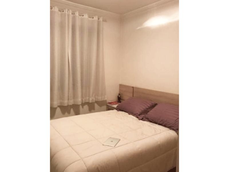 Sacomã, Apartamento Padrão-Suíte com piso de porcelanato e teto com moldura de gesso.