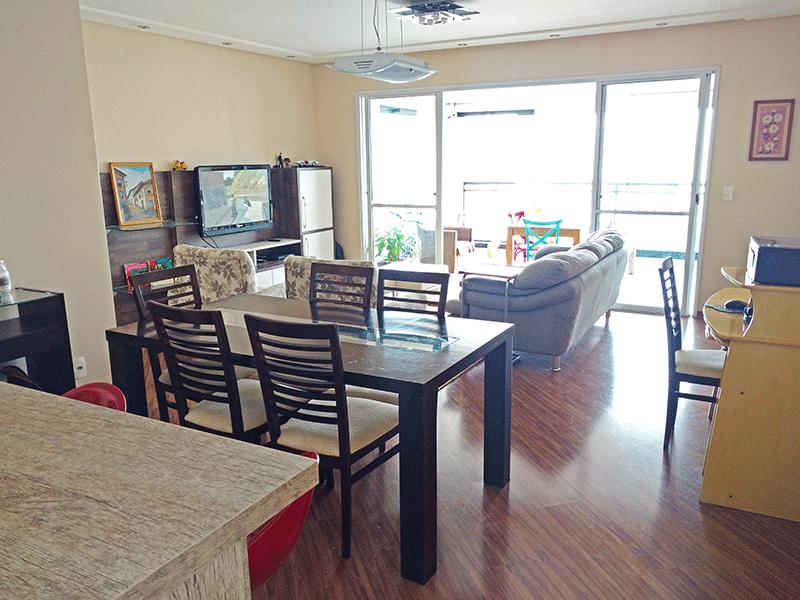 Ipiranga, Apartamento Padrão - Sala ampliada (com 3º quarto), piso laminado, teto rebaixado, iluminação embutida e acesso à varanda.