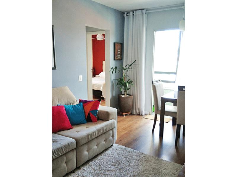 Jabaquara, Apartamento Padrão - Sala com dois ambientes, laminado e acesso à varanda.