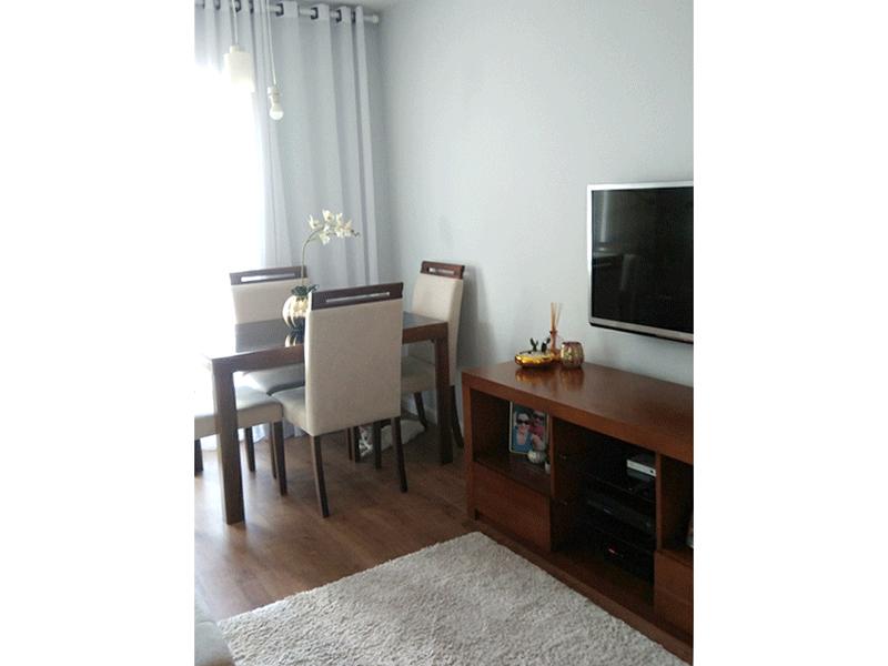 Jabaquara, Apartamento Padrão-Sala com dois ambientes, laminado e acesso à varanda.