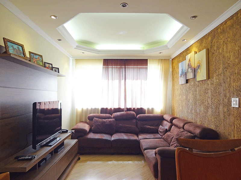Sacomã, Apartamento Padrão-Sala com dois ambientes, piso de porcelanato, teto com sanca de gesso e iluminação embutida.