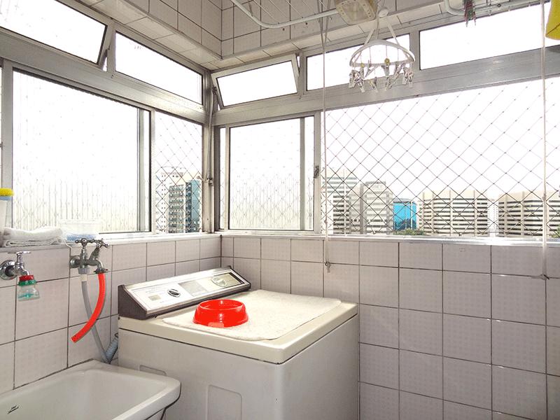 Jabaquara, Apartamento Padrão-Área de serviço com piso cerâmica.
