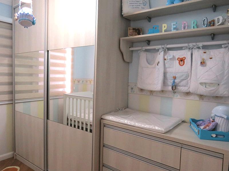 Sacomã, Apartamento Padrão-2º dormitório com piso laminado, armários planejados e teto com moldura de gesso.