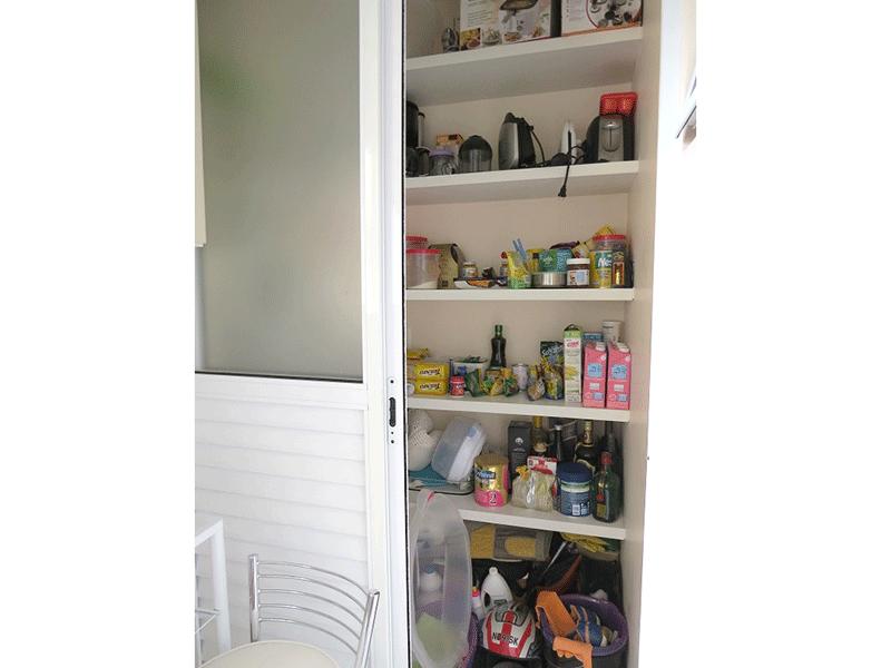 Sacomã, Apartamento Padrão-Área de serviço com piso de cerâmica, aquecedor de passagem com despensa.