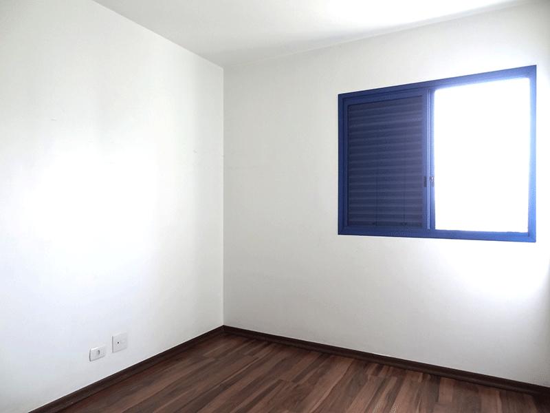 Ipiranga, Apartamento Padrão-2º dormitório com piso de laminado e armários embutidos.