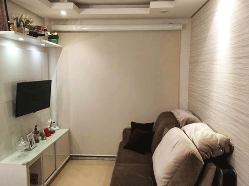 Sacomã, Apartamento Padrão-Sala com dois ambientes, piso laminado, teto com sanca de gesso, iluminação embutida e acesso à varanda.