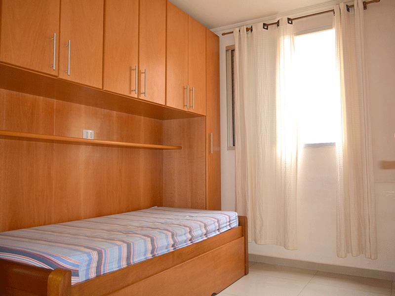 Sacomã, Apartamento Padrão-2ºdormitório com piso de porcelanato e armários planejados.