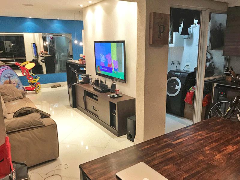 Ipiranga, Apartamento Padrão-Sala integrada com a área de serviço, piso de porcelanato, teto rebaixado com iluminação embutida e acesso a varanda.