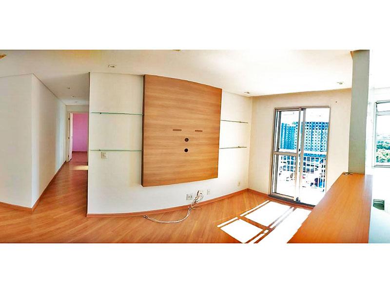 Sacomã, Apartamento Padrão-Sala com piso de laminado, teto com sanca, iluminação embutida e acesso à varanda.