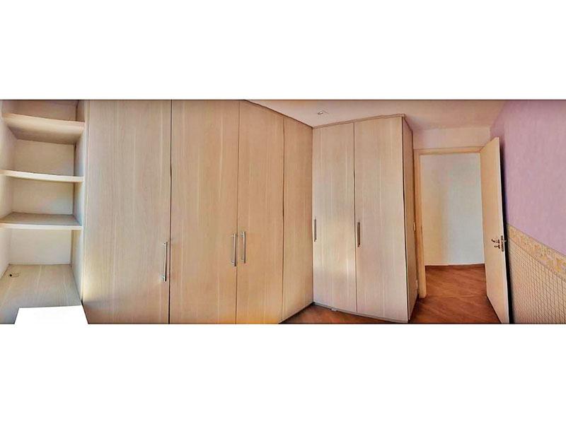Sacomã, Apartamento Padrão-1º Quarto com piso de laminado, iluminação embutida e armários planejados.