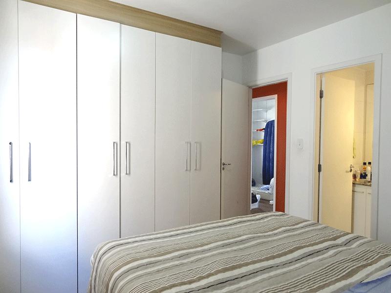 Jabaquara, Apartamento Padrão-Suíte com piso de porcelanato e armários planejados.