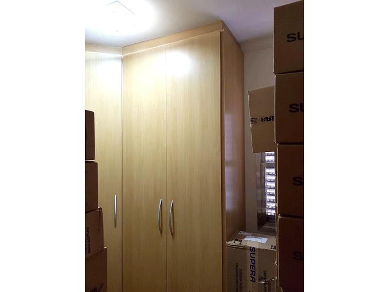Ipiranga, Apartamento Padrão-3º dormitório com piso de madeira e closet (dep. de empregada transformado em 3º dormitório).