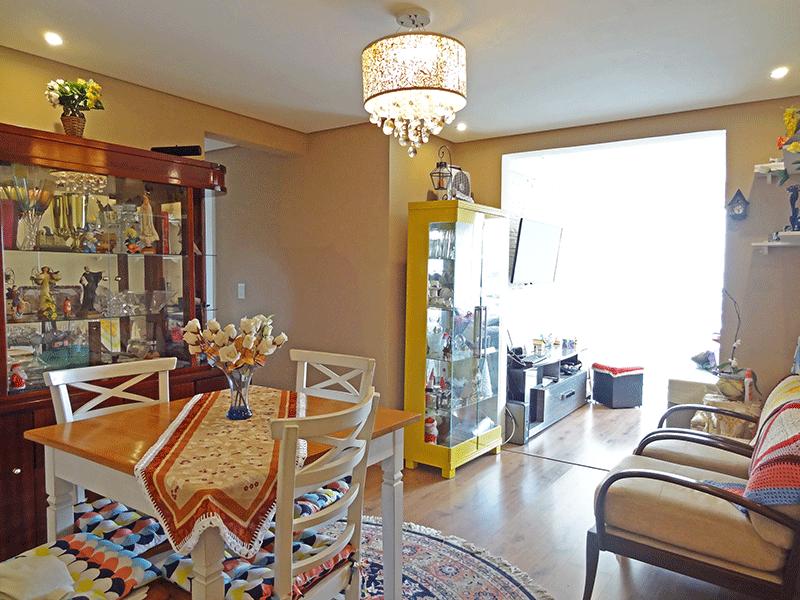 Ipiranga, Apartamento Padrão-Sala com dois ambientes, piso laminado, teto rebaixado com iluminação embutida e acesso a varanda.