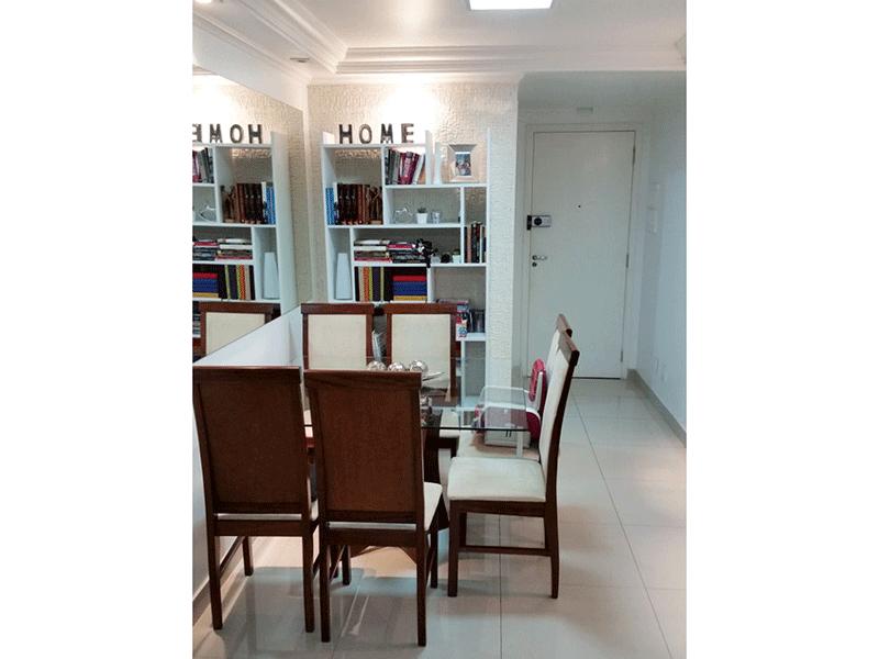 Jabaquara, Apartamento Padrão-Sala com dois ambientes, piso de porcelanato e teto com sanca de gesso com iluminação embutida.