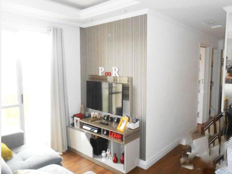 Jabaquara, Apartamento Padrão - Sala com piso laminado, teto com sanca de gesso, iluminação embutida e acesso a varanda.