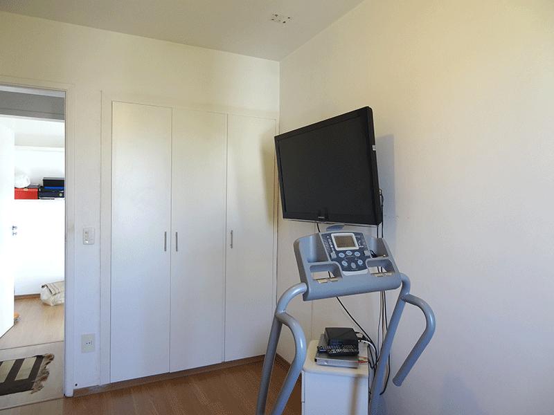 Jabaquara, Apartamento Padrão-1º dormitório com piso laminado e armário embutido.