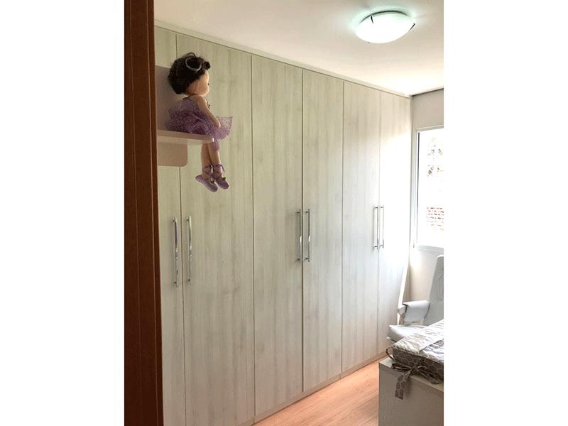 Ipiranga, Apartamento Padrão-2º dormitório com piso laminado, armários planejados e teto rebaixado.