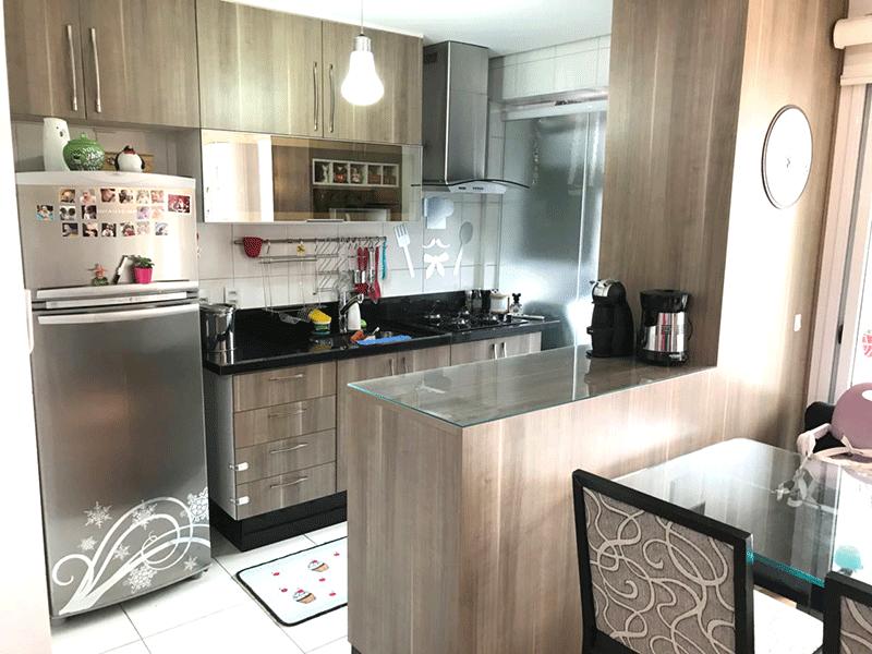 Ipiranga, Apartamento Padrão-Cozinha com piso de cerâmica, pia de granito, armários planejados e teto rebaixado.